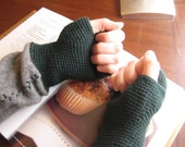 Gray and forest green arm warmers