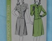 VINTAGE Hollywood Pattern Suit Dress 1531 Size 18
