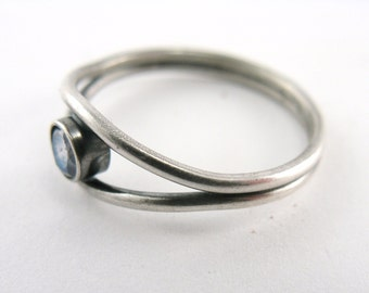 Split Band Ring - Sterling Silver and Labradorite - Size 8 OOAK