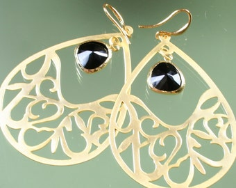 earrings -16k gold plated - black faceted glass