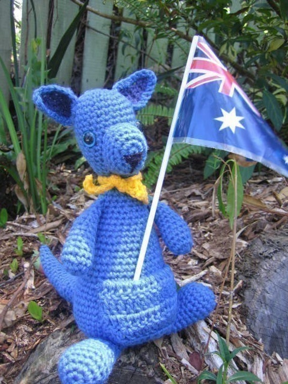 Kangaroo Pouch Knitting Pattern : True Blue Kangaroo crochet pattern