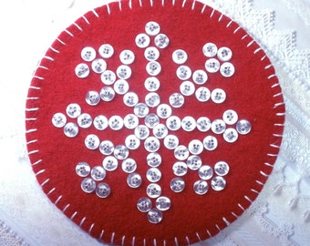 Snowflake Recycled Wool Button Mat