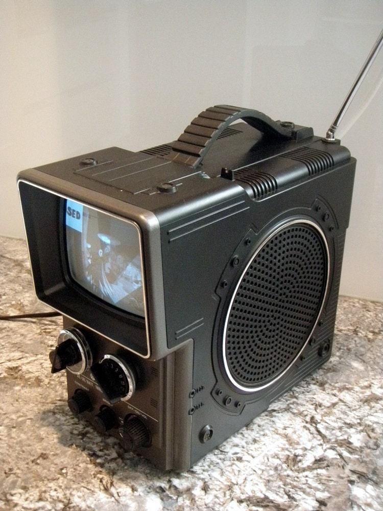 1960s PHILCO Space Age TV set | Portable tv, Vintage tv ...  |1960s Portable Televisions
