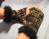 Fingerless Gloves in Camouflage Sz Sm