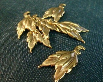 Double Leaf Stampings - Antiqued Gold Plated - 6pcs