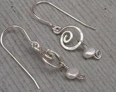 Little Swirl Fresh Water Pearl Earrings - Hammered Dangle Earrings - Sterling Silver Swirl Earrings, Wire Jewely, Women, Bridal Jewelry
