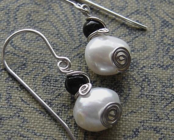 Little Fresh Water Pearl Earrings - Swirl With Black Onyx - Sterling Silver Wire Small Dangle Earrings - Pearl Jewelry - Women