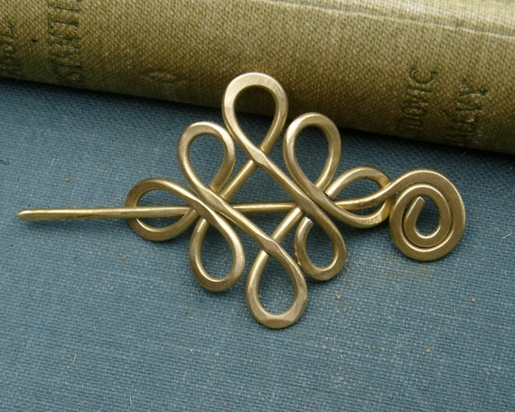 Little Looping Celtic Crossed Knots Shawl Pin, Scarf Pin, Sweater Brooch - Brass - Celtic Knot Jewelry - Lace Shawl Pin, Fashion Accessories