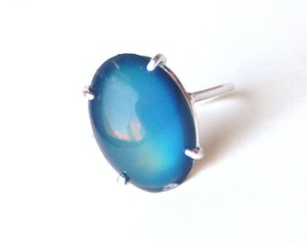 Simple Sterling Silver Mood Ring Color Changing with Vintage Mood Stone