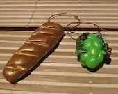 Wine Charms Green Grapes and Bread