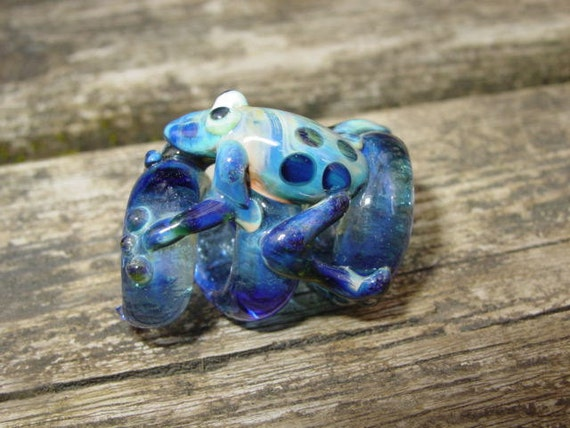 Glass dreadlock bead - Stacy the Frog Squiggle