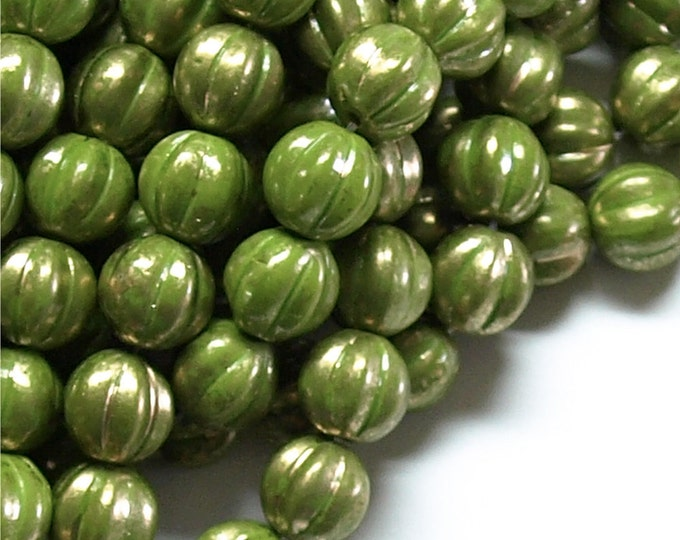CZMN-08OG - Czech Melon, 8mm, Olive w/ Marbled Gold - 10 Pieces