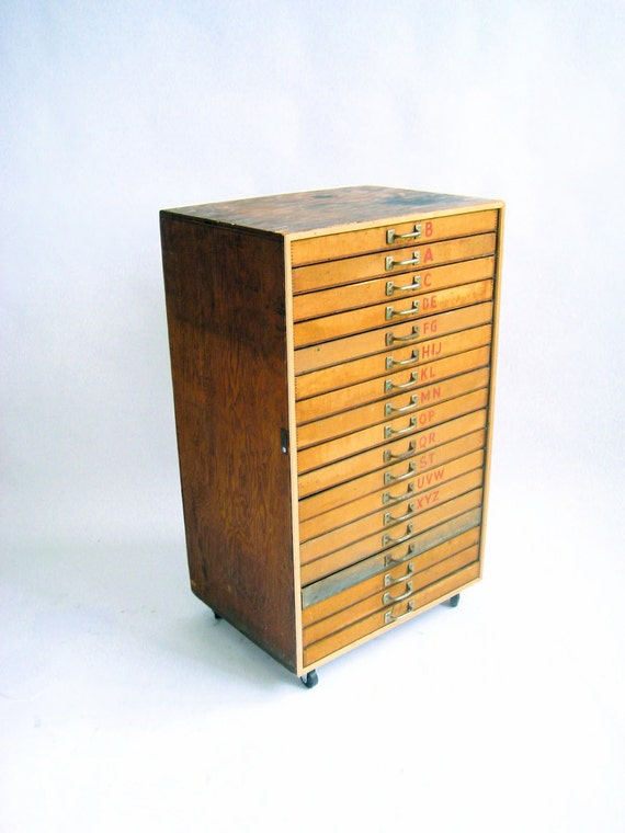 Vintage Wooden Type Drawer Cabinet