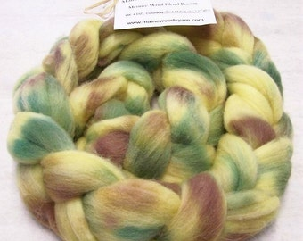 Roving Handpainted Soft Wool Top Corriedale Blend 4 oz Colorway, Sunflowers, Free Shipping