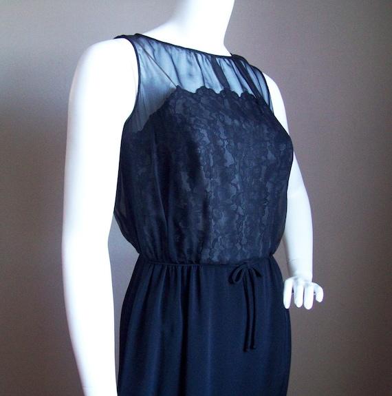 Vintage 1960s Classic LITTLE BLACK Cocktail DRESS - Size Small