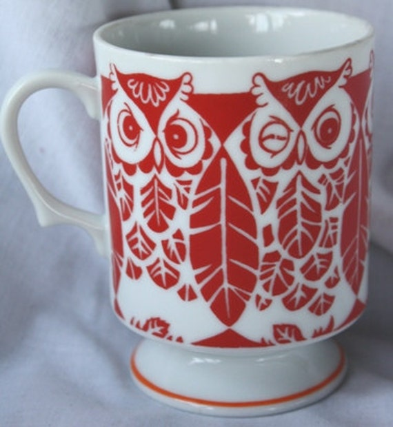 Vintage Red  & White Owl Mug  Coffee Cup Glass Winking Bird Retro Feather Pattern 1950s 1960s