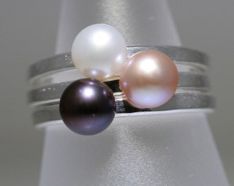 Pearl Trinket Ring- Stackable