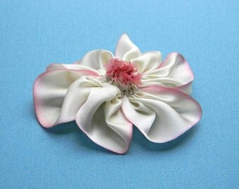 silk flower brooch in cream and pale pink