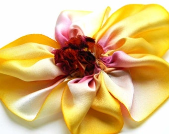 silk flower brooch in fresh cut peach