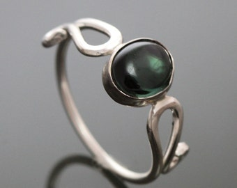 CLEARANCE Green Tourmaline Sterling Silver Ring Size 7 1/2 f09r003