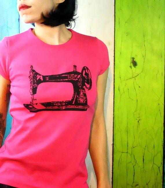 Sewing machine tshirt diyer gift screen printed womens for Vintage screen print t shirts