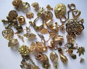 Jewelry bits and pieces - gold toned