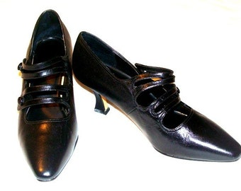Vintage Black Edwardian Pointed Toe Double Button and Strap Mary Jane Pumps Shoes - Leather Sz. 6