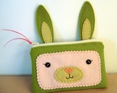 Bunny Zipper Pouch (Olive Green)