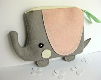 Wee Elephant Pouch in Gray