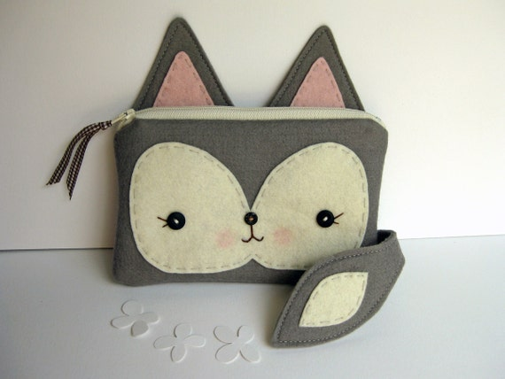 Foxy Little Pouch in Gray