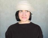 Cloche hat in beige textured wool : Confidante for women