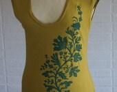 grasshopper green cutout flowers t-shirt size XL