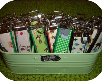 SET of 10 WRISTLET KEYCHAINS