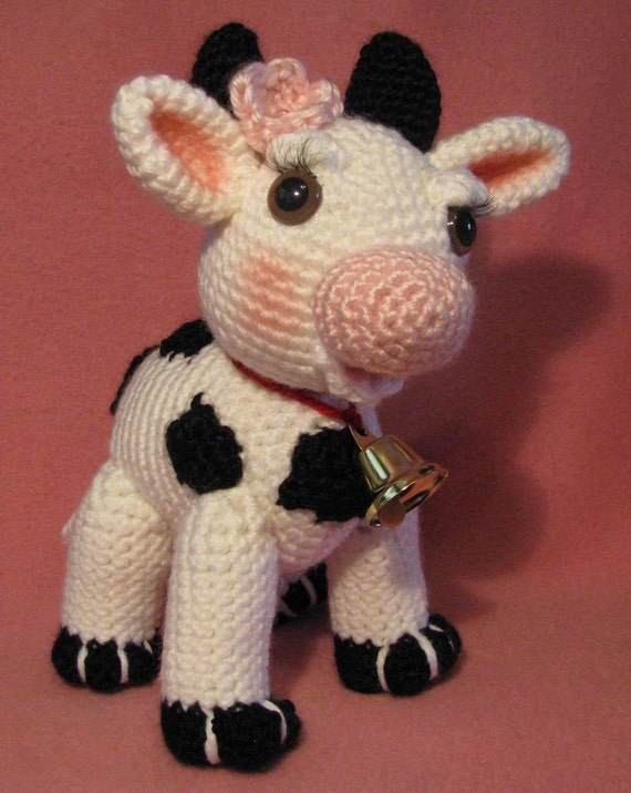 Amigurumi Free Patterns Cow : Molly Moo The Amigurumi Cow