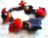 BAKELITE Black Star Vintage Button Bracelet