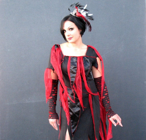 BLOODY ZOMBIE Dress - Noir Reconstructed Dress red black tatters Size 16 fits 6 - 18 Plus Size Goth halloween costume upcycled clothing