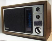 Magnavox R434 AM/FM Radio - great sound