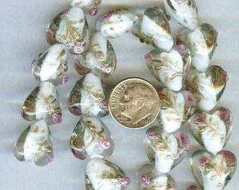 Gorgeous Plump White Raised Roses Lampwork Heart Beads 15mm 6pcs