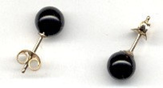 6 mm BLACK ONYX STUD EARRINGS with 14k/20 GOLDFILLED STUD AND FRICTION NUT.