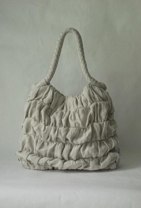 Ruffled linen handbag in variegated natural