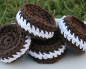 Cotton Play Food-- 4 Chocolate Sandwich Cookies