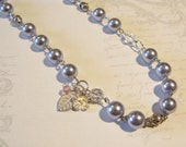 Elegant Victorian Style Imitation Pearl Necklace - Grey