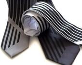 Broken Stripe. Silkscreen necktie. Microfiber standard, narrow or skinny width.