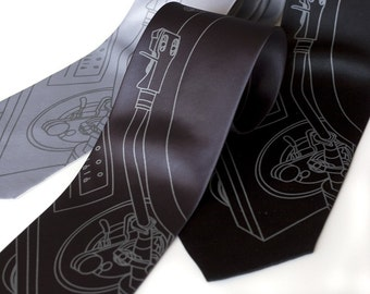 Turntable record player silk necktie. DJ silkscreen tie. Dove gray ink. Men's tie.