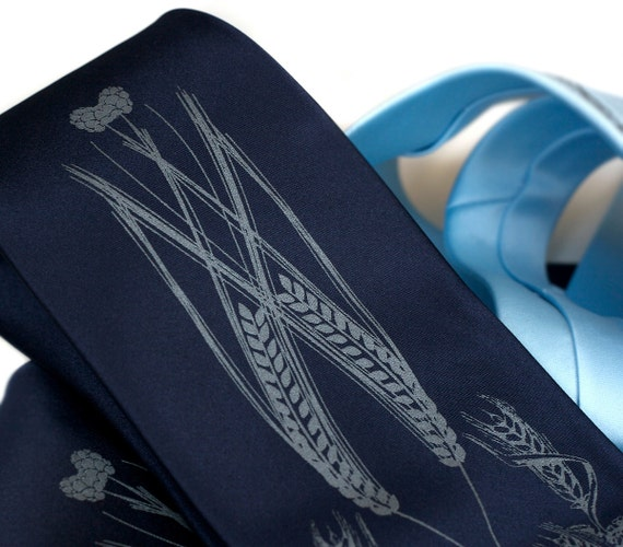 Beer necktie. Hops, barley & wheat men's tie. Choose navy, black, charcoal, sky blue tie. Dove gray screenprint. Your choice of tie width.