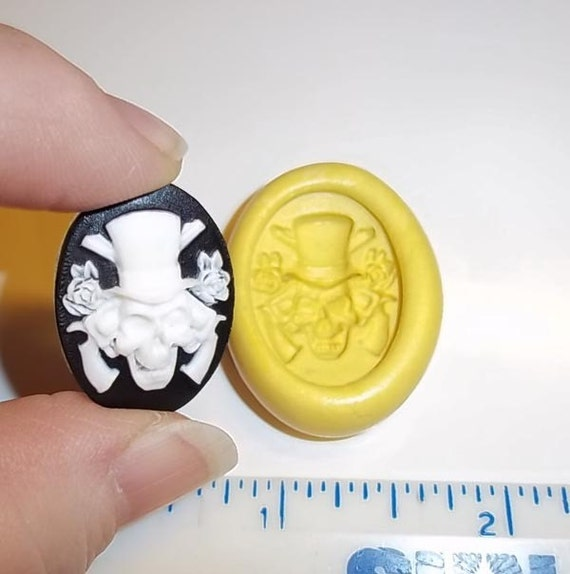 Skull Gothic CAMEO Flexible Push Mold Mould For Resin Paper Clay Sculpey Fimo Polymer Premo Wax Chocolate (J231)