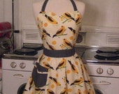 The BELLA Vintage Inspired Canary Yellow Birdseed Full Apron