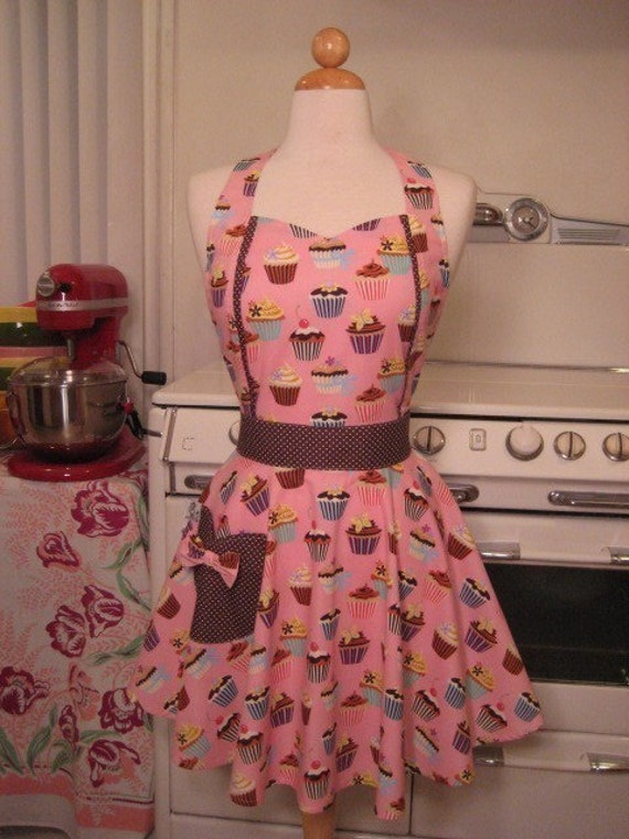 The MAGGIE Vintage Inspired Pink Cupcake Full Apron