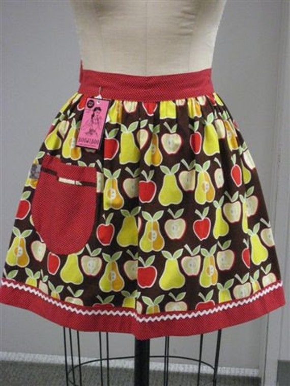 Vintage Inspired Pear and Apple Half Apron
