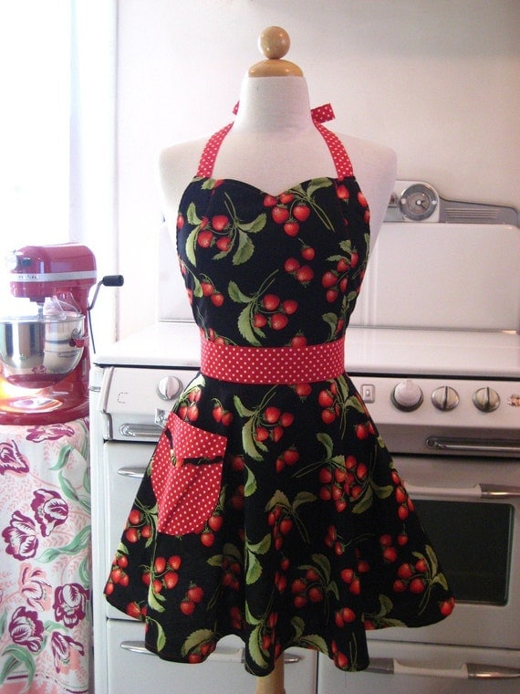 The BELLA Vintage Inspired Strawberry Festival Full Apron